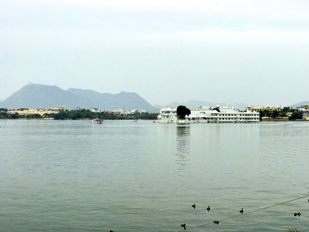 24Feb18Lakepalace3